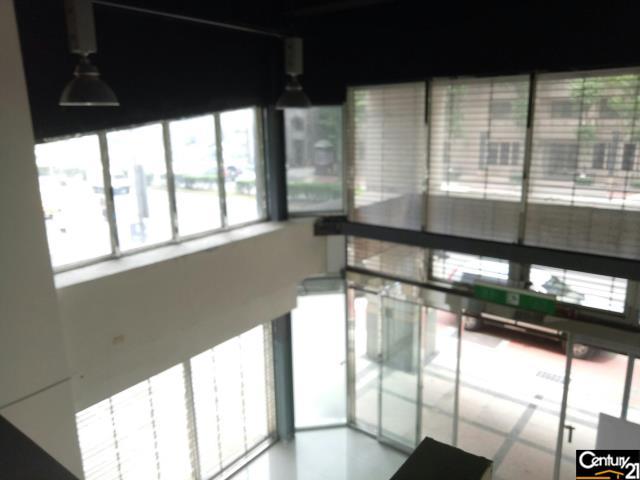 (租)經國路展場三角窗店面