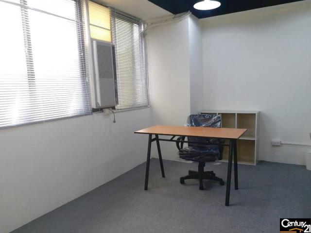 新明11間商務辦公室