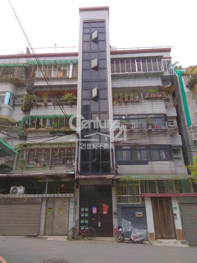 租屋、房屋出租、租房子都找21世紀不動產–泰和雅寓頂加2房(租33)-台北市信義區吳興街