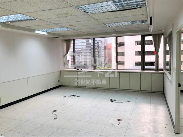 租屋、房屋出租、租房子都找21世紀不動產–保富金融大樓-台北市松山區民生東路三段