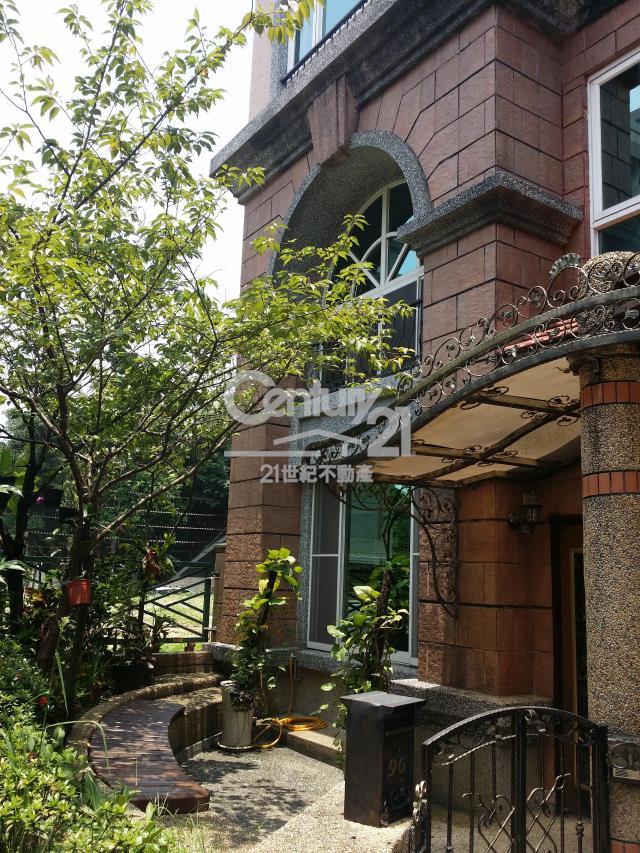 租屋、房屋出租、租房子都找21世紀不動產–湖綠歐賺錢別墅-台北市內湖區民權東路六段