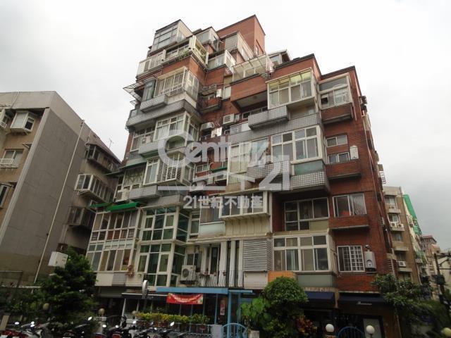 租屋、房屋出租、租房子都找21世紀不動產–瀟灑天母樓中樓-台北市士林區天母北路