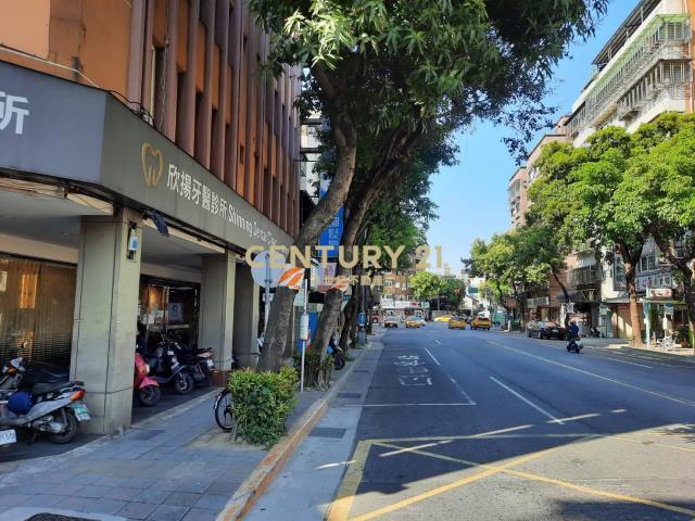 租屋、房屋出租、租房子都找21世紀不動產–中華邊間金店面-台北市萬華區中華路二段
