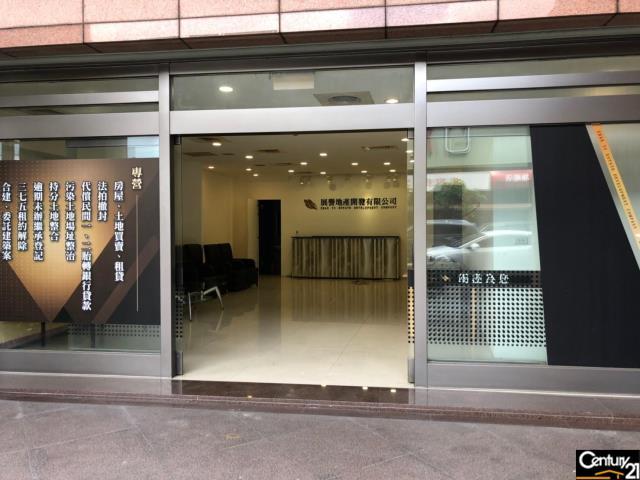 租屋、房屋出租、租房子都找21世紀不動產–(租)中悅桂冠店面1-2F-桃園市桃園區經國路