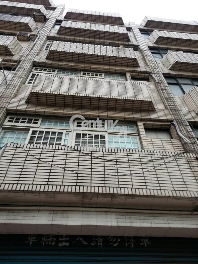 租屋、房屋出租、租房子都找21世紀不動產–租㊣環西路黃金店面-桃園市中壢區環西路