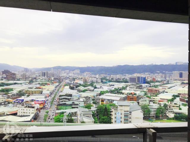 租屋、房屋出租、租房子都找21世紀不動產–捷運景觀三房車-新北市新莊區中正路