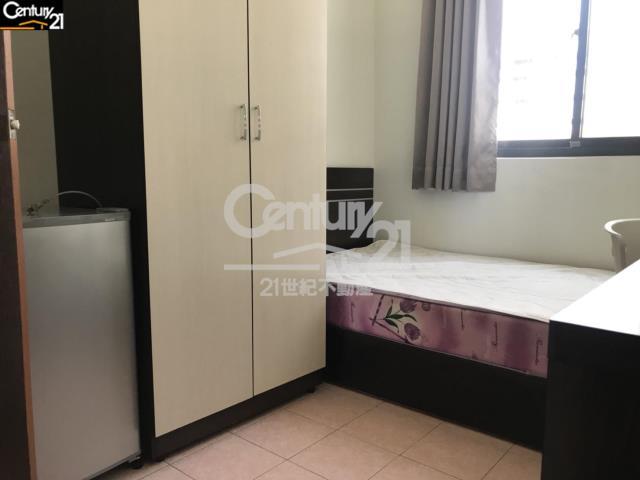 租屋、房屋出租、租房子都找21世紀不動產–夢時代分租套房(4樓)-台南市東區裕農路