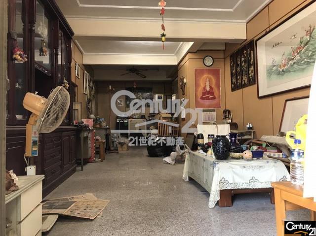 租屋、房屋出租、租房子都找21世紀不動產–城隍街復古透天-台南市中西區城隍街