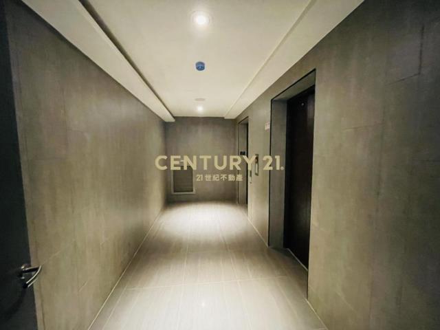 租屋、房屋出租、租房子都找21世紀不動產–新橋之心明亮2+1房平車-高雄市橋頭區橋新二路