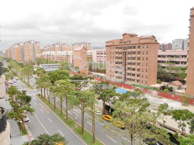 買屋、賣屋、房屋買賣都找21世紀不動產–新美館邊間雙車位-台北市松山區健康路