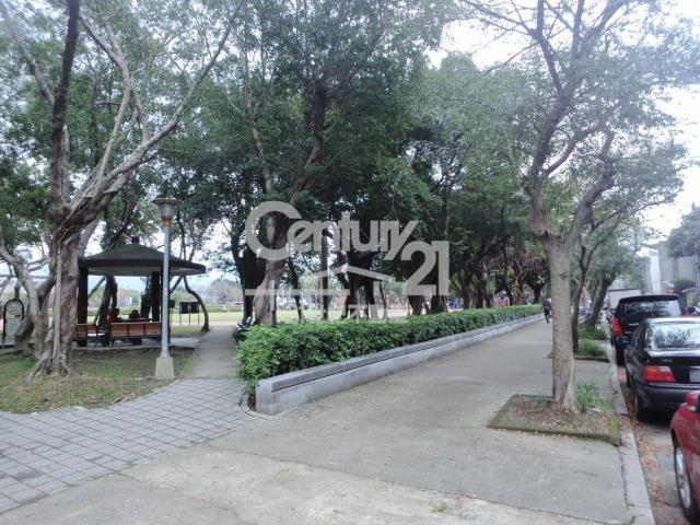 富錦新村面公園