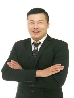 想買屋、賣屋、租屋,解決房地產大小事?就找您附近的房仲專家-張景南(樂樂) | 21世紀不動產