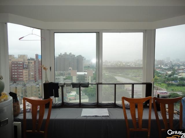 買屋、賣屋、房屋買賣都找21世紀不動產–當代名廈樓中樓-桃園市桃園區民富九街