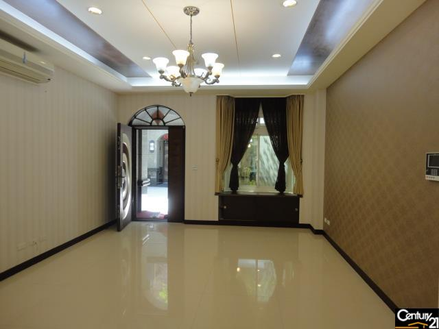 買屋、賣屋、房屋買賣都找21世紀不動產–普鑼旺世電梯別墅-桃園市桃園區大興路