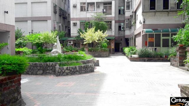 中原大學三房車