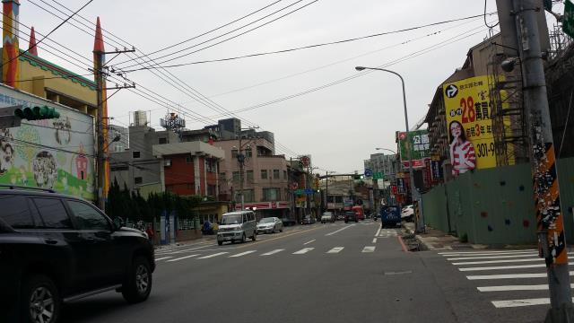 中路重劃區三角窗建地