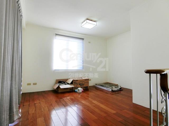 房屋買賣-新北市林口區買屋、賣屋專家-專售和楓美墅,來電洽詢:(02)2600-3116