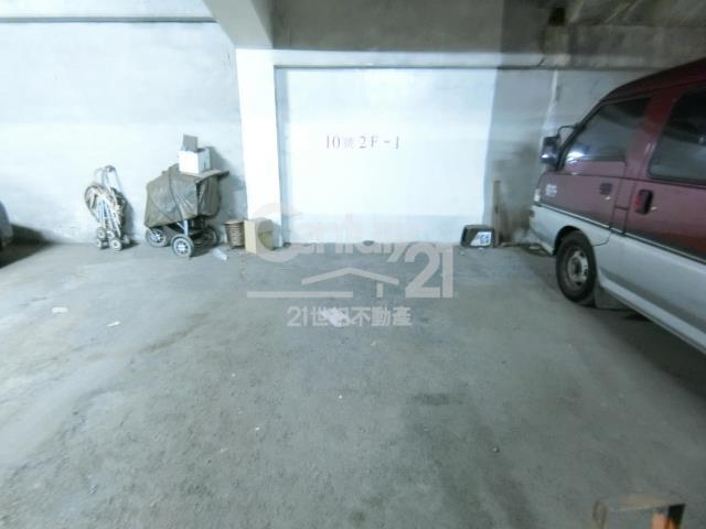 長庚華夏樓中樓4房車位