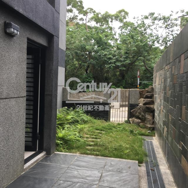 房屋買賣-新北市淡水區買屋、賣屋專家-專售竹圍綠意美墅,來電洽詢:(02)2808-6699