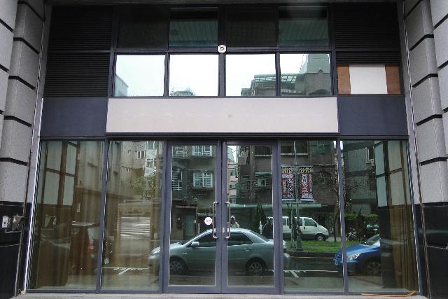 房屋買賣-新北市林口區買屋、賣屋專家-專售菁英賞,來電洽詢:(02)2608-7676