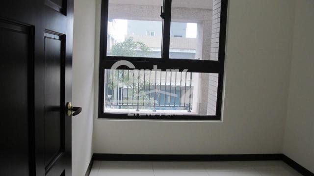 房屋買賣-新北市林口區買屋、賣屋專家-專售擇鄰,來電洽詢:(02)2608-7676