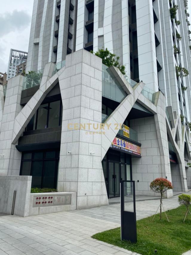 房屋買賣-新北市林口區買屋、賣屋專家-專售星空樹,來電洽詢:(02)2608-7676