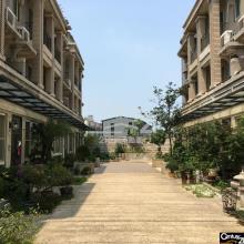 買屋、賣屋、房屋買賣都找21世紀不動產– 赫世堡經典庭園別墅–新北市林口區源泉街