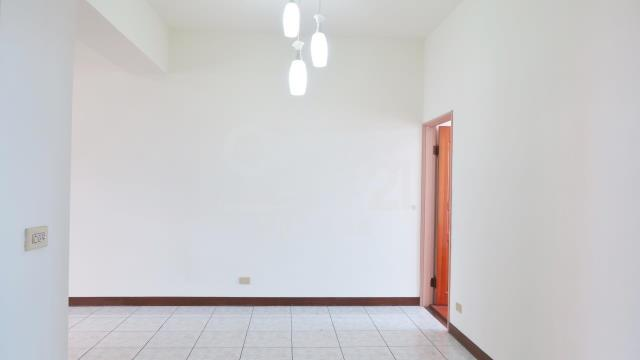 買屋、賣屋、房屋買賣都找21世紀不動產–GA075宜大優質花園三房車位華廈-宜蘭縣宜蘭市自強路