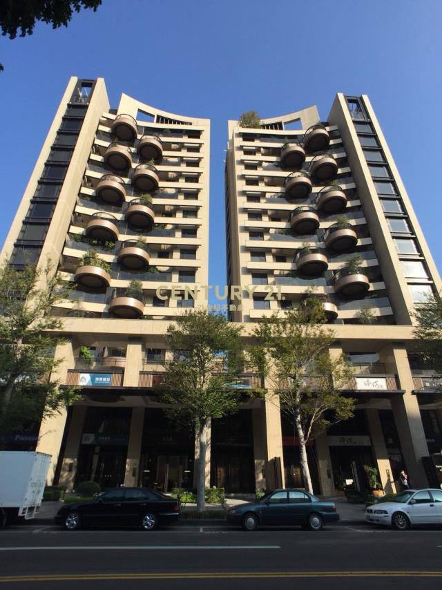 唐寧一號高樓層三房雙平車
