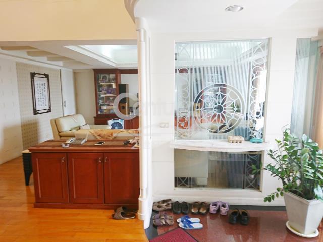 房屋買賣-台中市西屯區買屋、賣屋專家-專售中科漂亮樓中樓雙車位,來電洽詢:(04)2462-3458