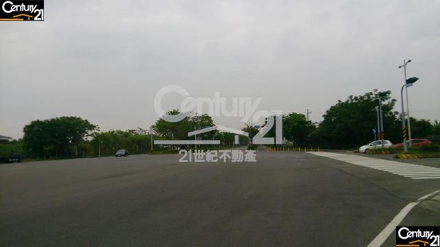 房屋買賣-台南市安定區買屋、賣屋專家-專售安定交流道2.6分農地,來電洽詢:(06)583-3311
