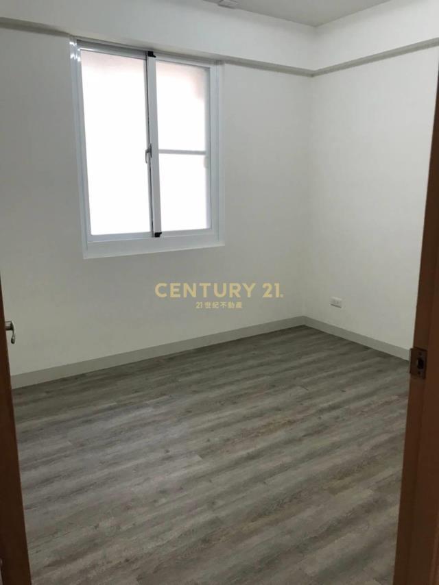 買屋、賣屋、房屋買賣都找21世紀不動產–民族國中邊間二樓公寓-高雄市三民區大昌二路
